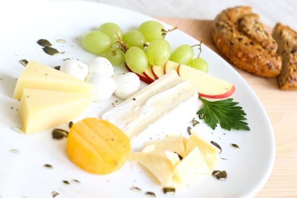 602_cheese-1804461_960_720 Красивая нарезка колбасы и сыра - как красиво нарезать и разложить колбасу и сыр (Фото)