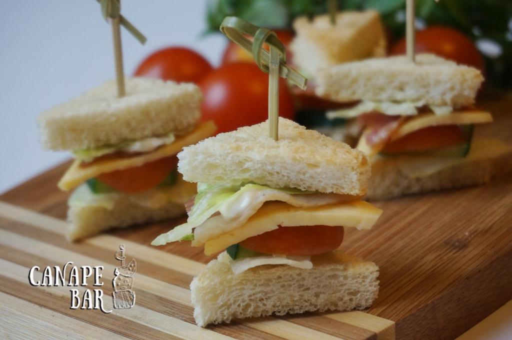 сэндвич с майонезом и паприкой